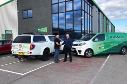 Neil Fisher from Airco shakes hands with Roy Bailey from Natural Gas services